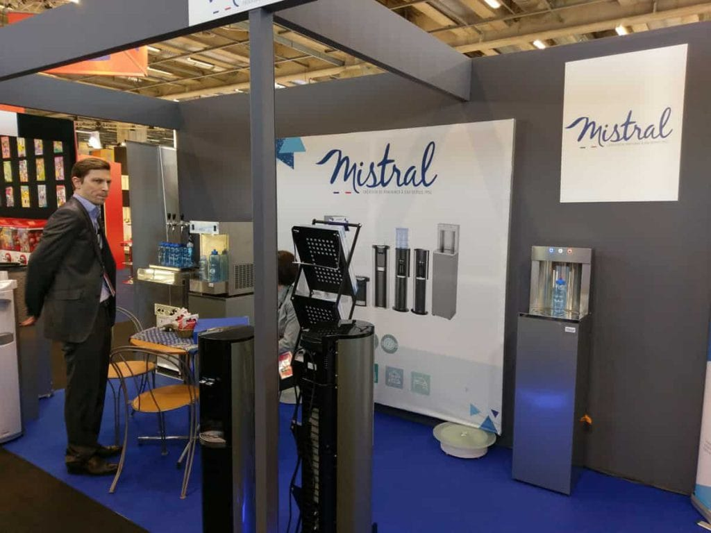 Photo du salon vending Paris avec fontaine à eau